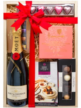 Romantic Night In - Champagne Gift Hamper