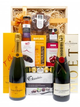 Out on the Water - Champagne Gift Hamper