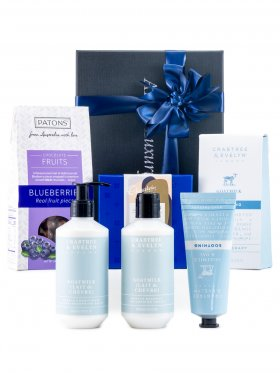 Crabtree & Evelyn Soothing Goatmilk & Oat Pamper Hamper