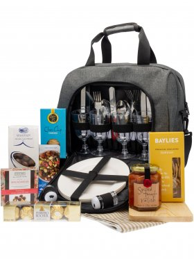 The Great Outdoors - 4 Person Gourmet Picnic Gift